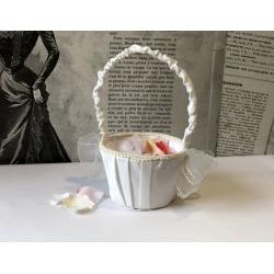 Košíček pro družičky na plátky růží