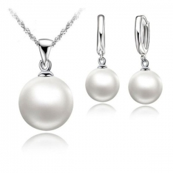 Svatební souprava s perlami