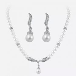 Souprava perlových šperků se zirkony