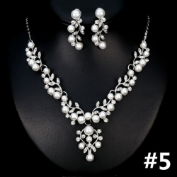 Luxusní svatební souprava s perlami a zirkony